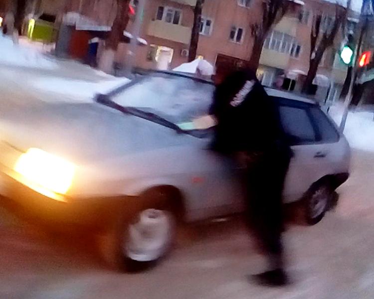 Следком проводит проверку по стрельбе сучастием полицейского вКаменке