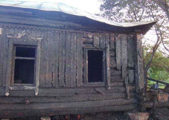 ВБековском районе вспыхнул деревянный дом: есть пострадавшие
