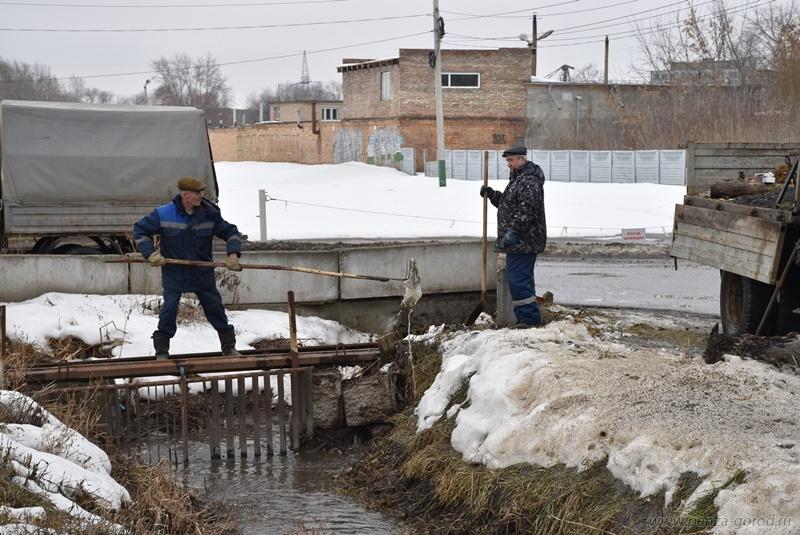 Готовность Пензы кпропуску паводковых вод проверили чиновники