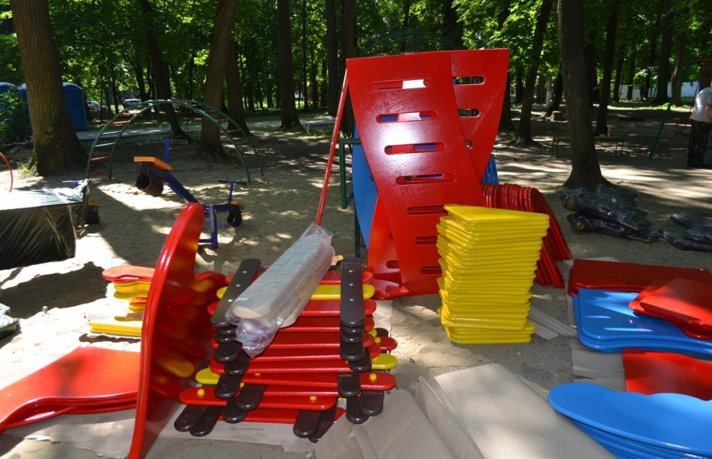 ВПензе начата установка новых детских площадок