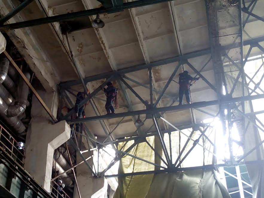 Cотрудники экстренных служб изМордовии устраняют последствия трагедии наТЭЦ вПензе
