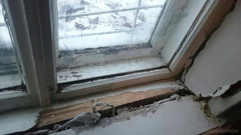 ВПензе частично обрушилась стена общежития наулице Ударной